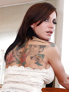 Free MILF Tattoo Pics