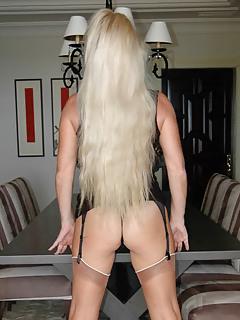 Free Long Hair MILF Pics