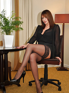 Free MILF Stockings Pics