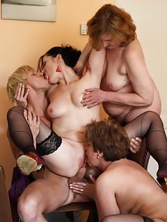 Free MILF Group Sex Pics